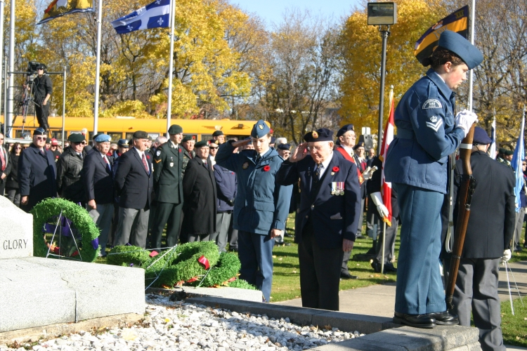 Remembrance Day in Smiths Falls 2014. (Photo by S. Mayne)
